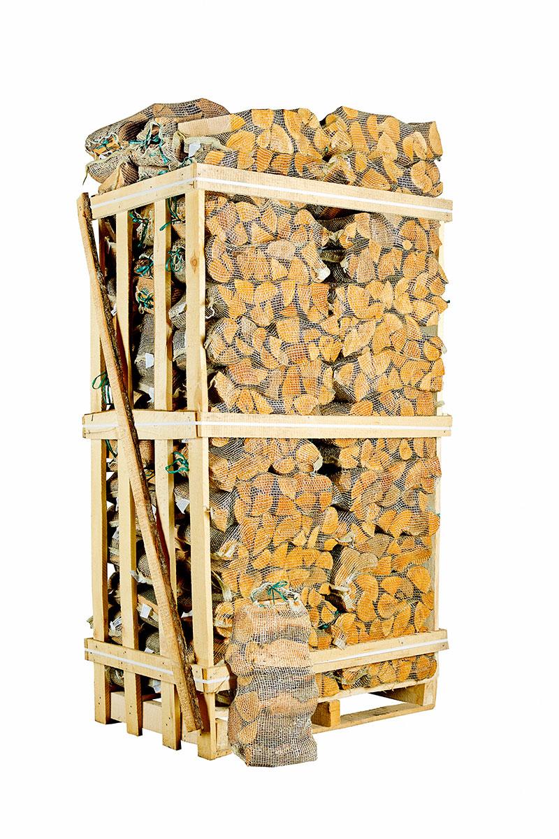 Image of   Ovntørret løvtræ i sække